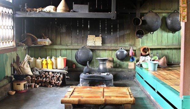 sebesar apapun api cintamu, belum cukup besar kalau belum membakar tungku dapur