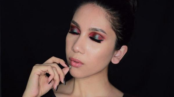 Bagus banget sih eye make-upnya~