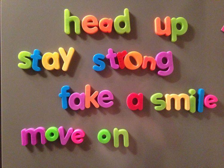 Kamu harus berpura-pura kuat