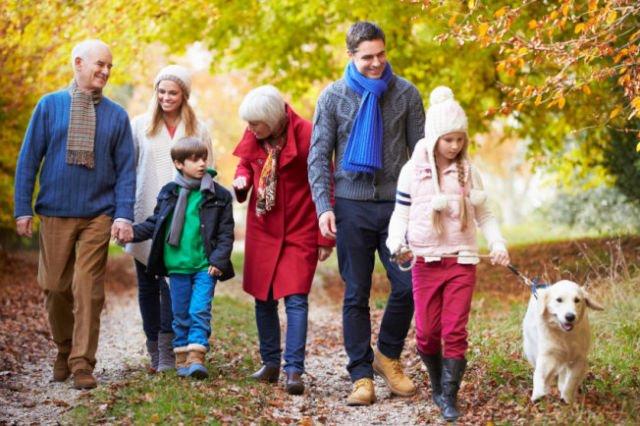 Ajak keluarga jalan-jalan pagi