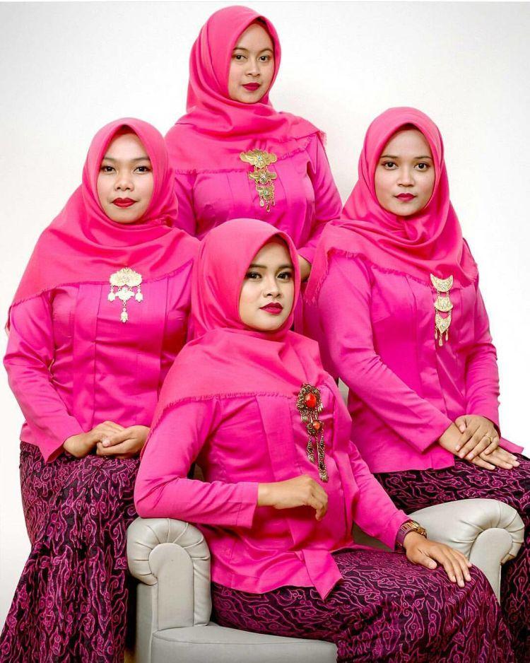 dominasi warna pink, cakep uga! @inspirasi_kebaya