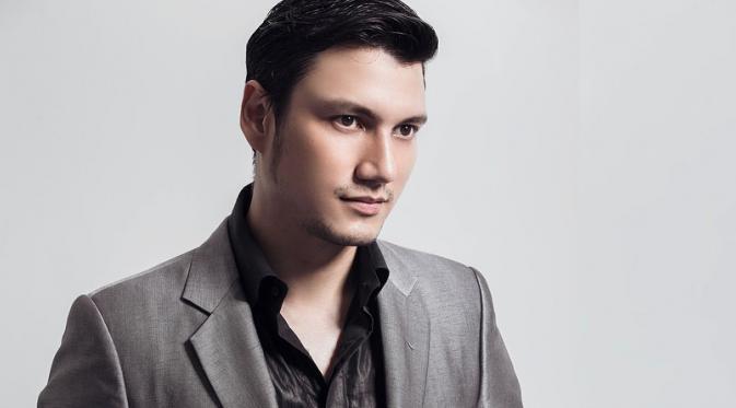 Tian adalah founder sekaligus CEO perusahaan startup ternama.