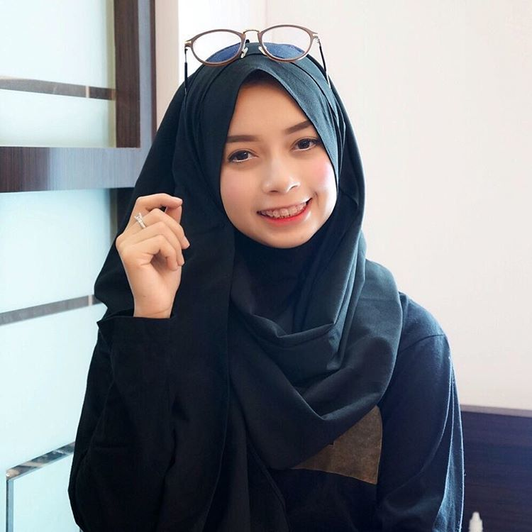 meski modis, gaya hijabnya menutup dada @joyagh