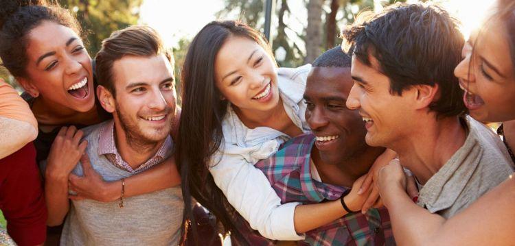 persahabatan yang semakin lama semakin kuat