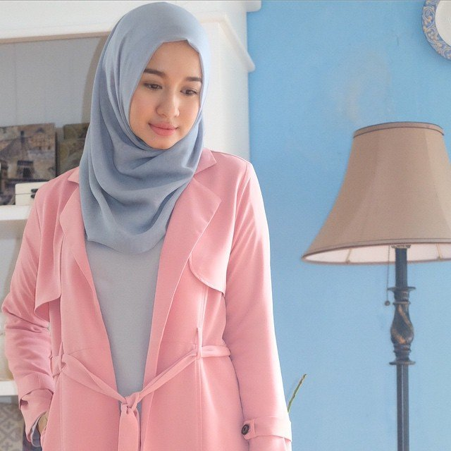 Jilbab segi empat sederhana
