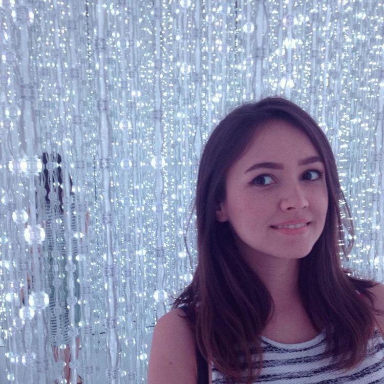 Sarah Noon, cantik maksimal kan?!