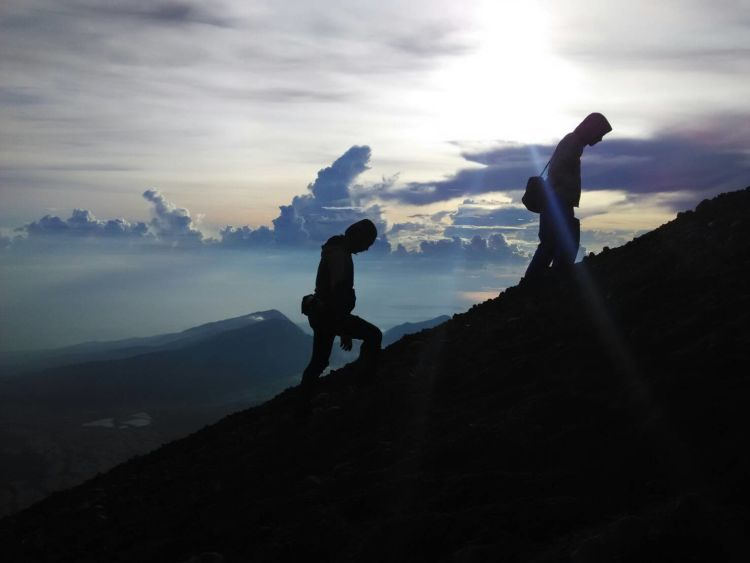 menuju puncak