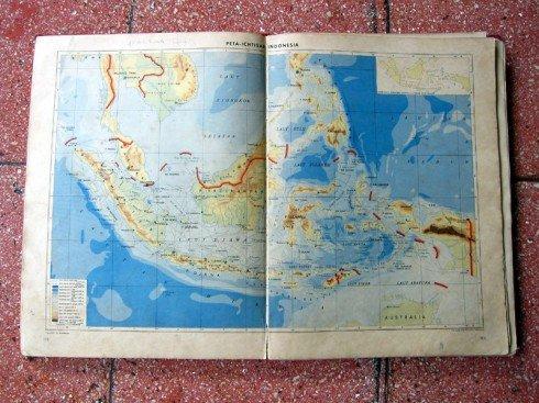 Paling tengah biasanya Indonesia