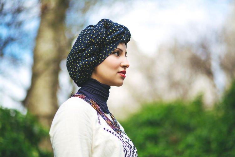 Jilbab turban yang artistik
