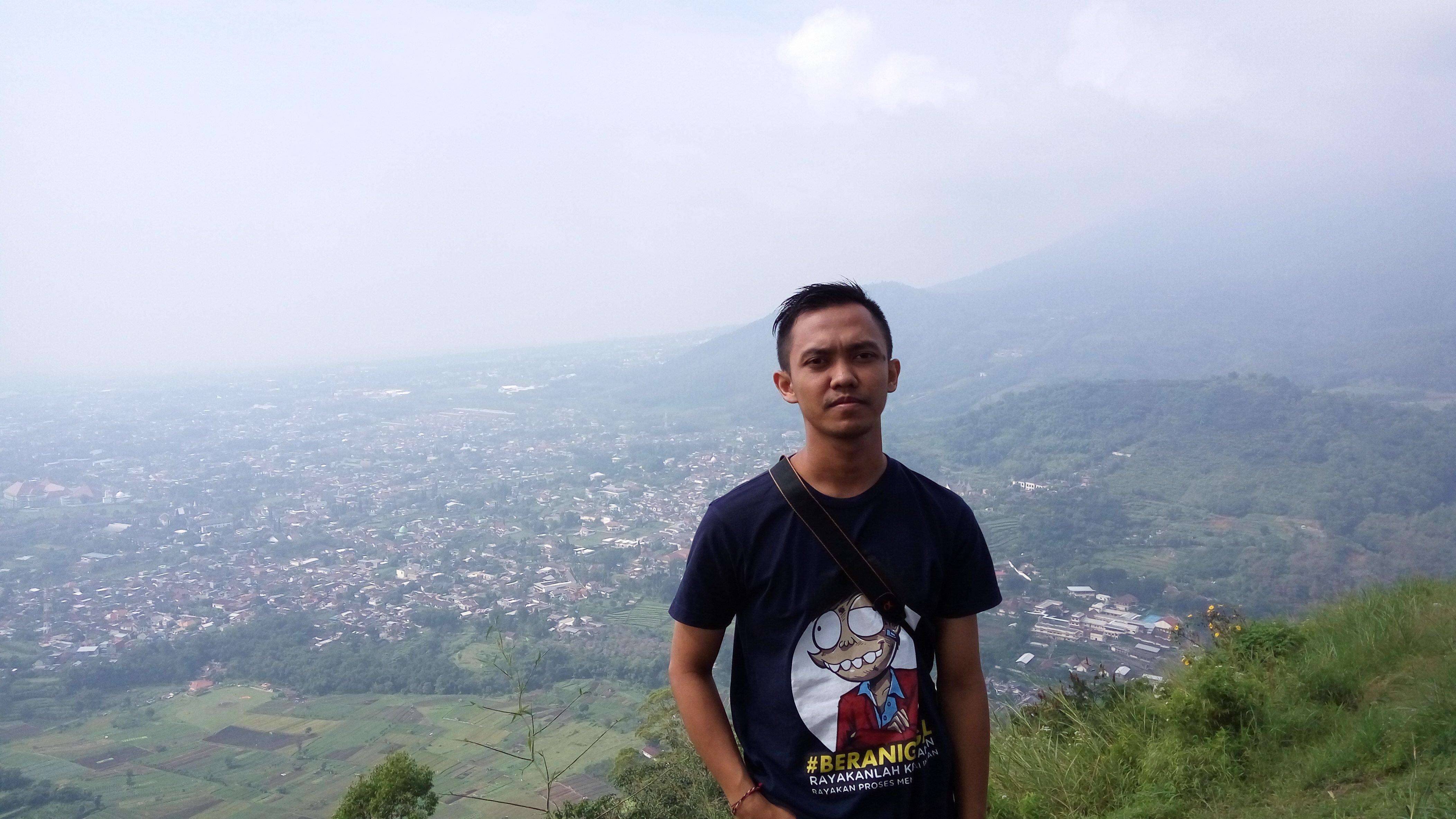 R. Nindra