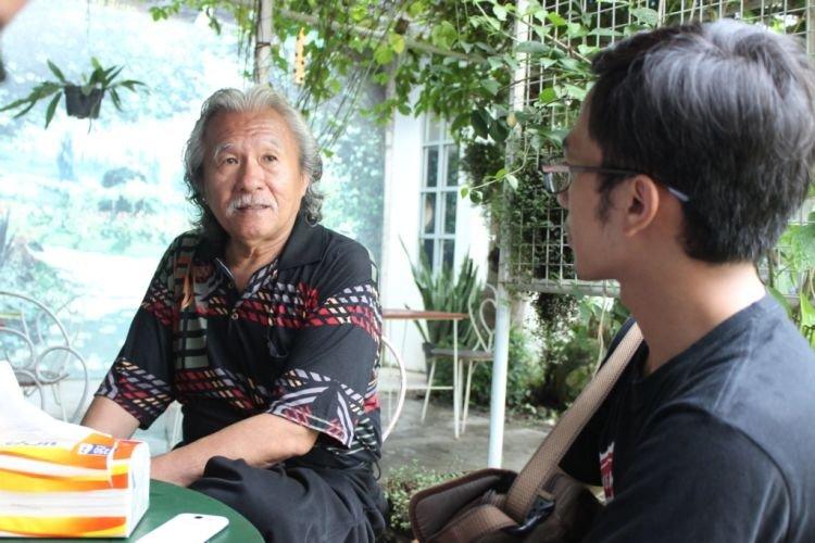 Pak Tanggol saat berbagi cerita tentang Rumah Kamera.