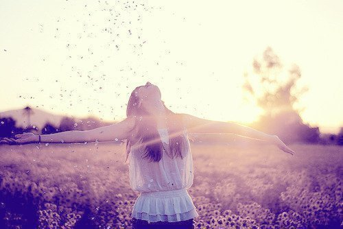 alone-country-free-girl-happy-favim-com-255042