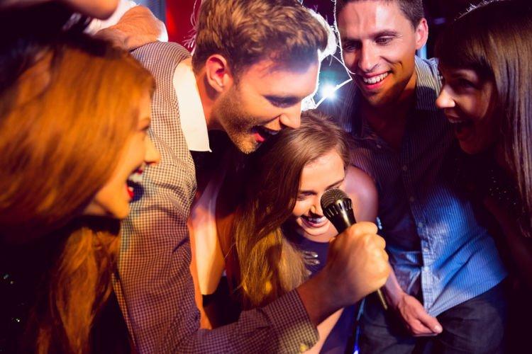 kamu masih bisa kok karaokean bareng mereka