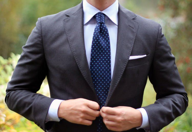 blue-tie-with-dots