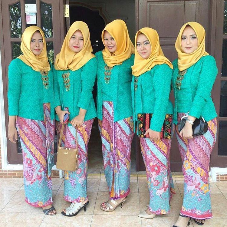 11 Ide Kebaya Kutu Baru Hijab Yang Bisa Buatmu Tampil Mempesona Di