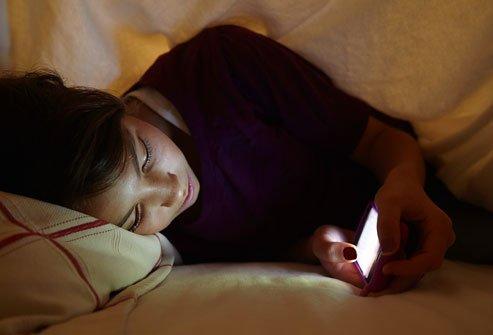 sebelum tidur sempatkan SMS dulu
