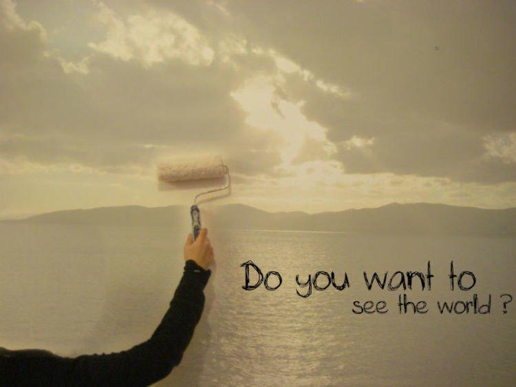 Kamu melihat dunia dari sisi lain