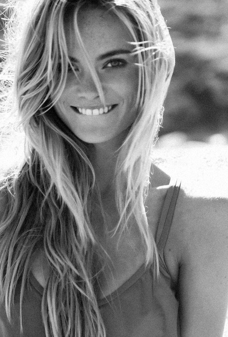 Bahkan dengan sekadar senyum aja cowok udah bahagia kok