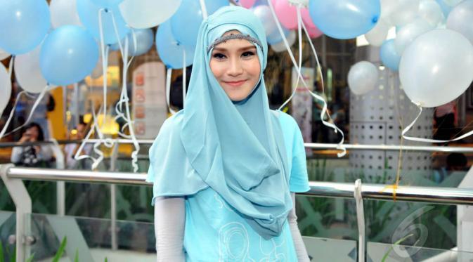 hijab polos zaskia mecca
