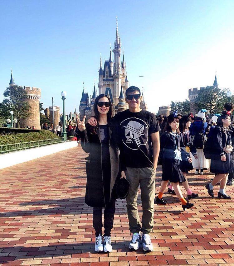 Romantisnya mereka di Tokyo..