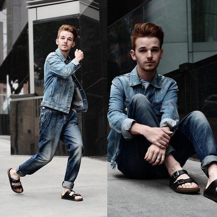 Denim warna biru cocok banget sama sandal kulit warna hitam kamu