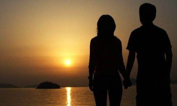 Cara-Menjadi-Cowok-Romantis-Yang-Menawan