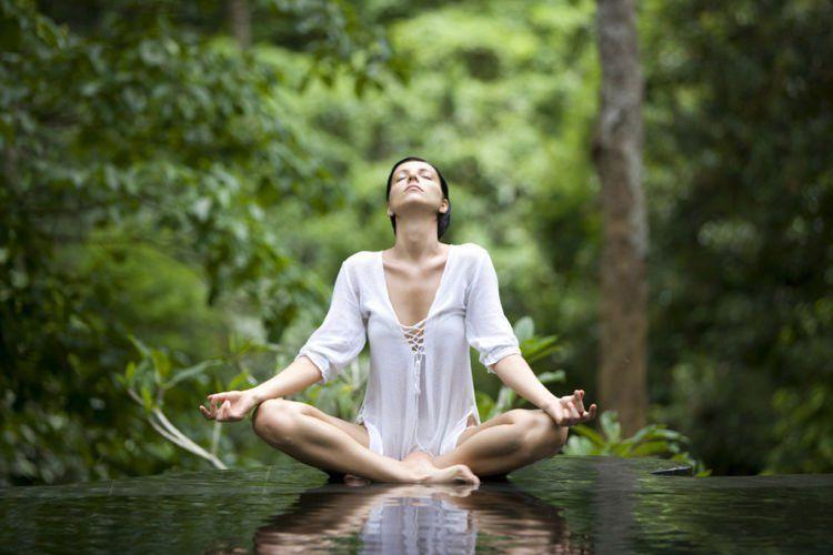 kebayang nggak betapa tenangnya yoga di Ubud?