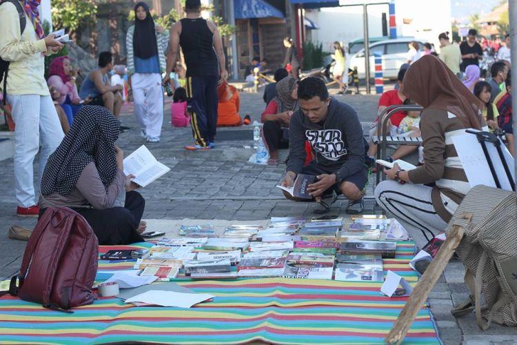 yuk baca bareng di Pecandu Buku
