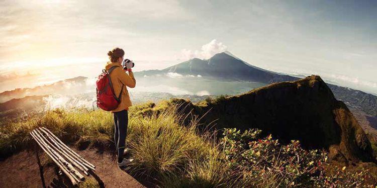 Isi waktumu dengan traveling..