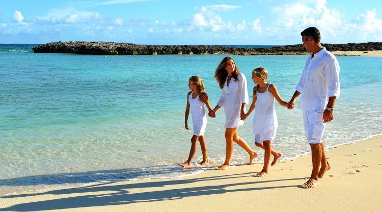 Hubunganmu akan lebih erat setelah liburan bareng keluarga.
