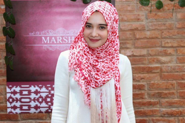 hijab motif zaskia sungkar