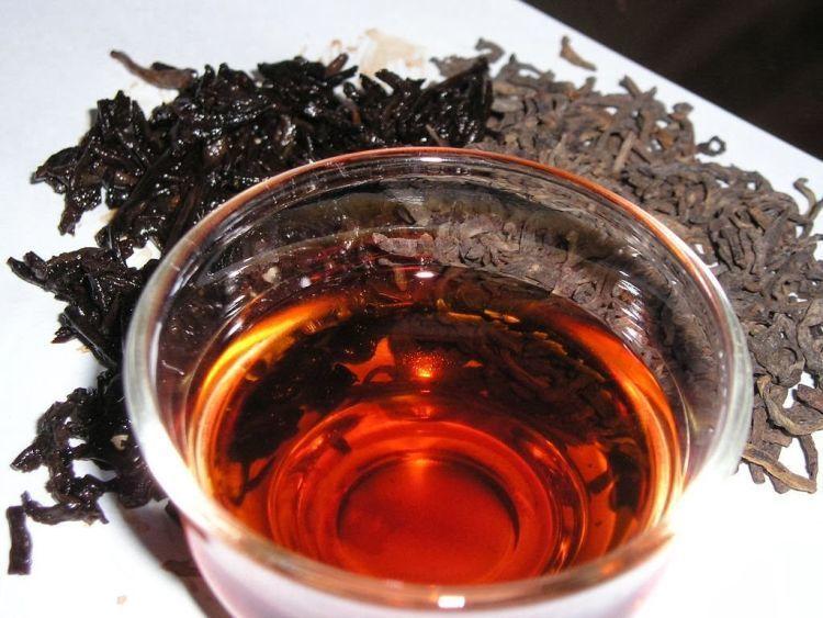 basuh dengan teh basi tiap pagi