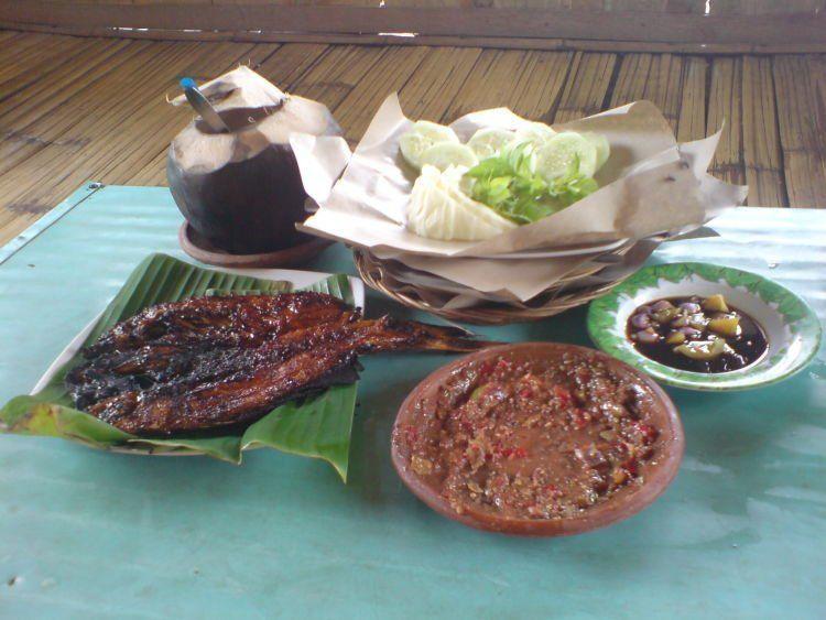 Ikan Pihi Pecak khas Tegal