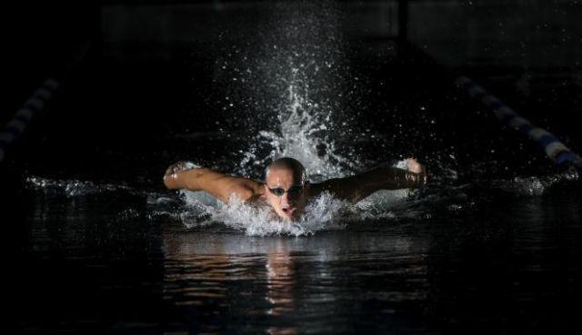 berenangnya malam aja yah, nanti batal.