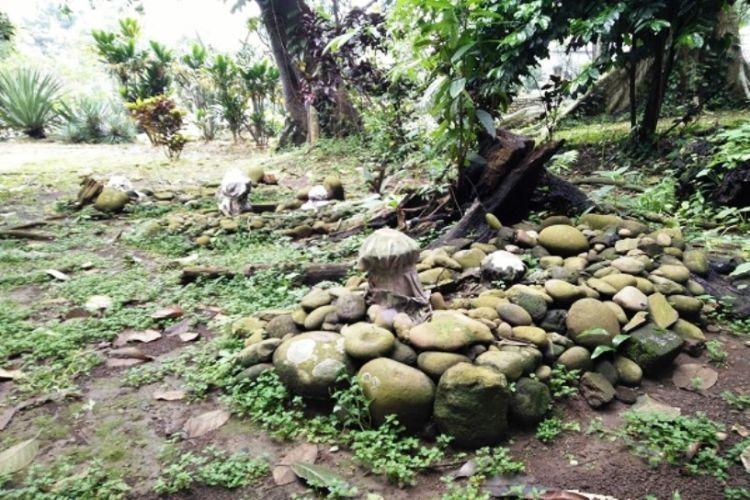Makam misterius di Kebun Raya