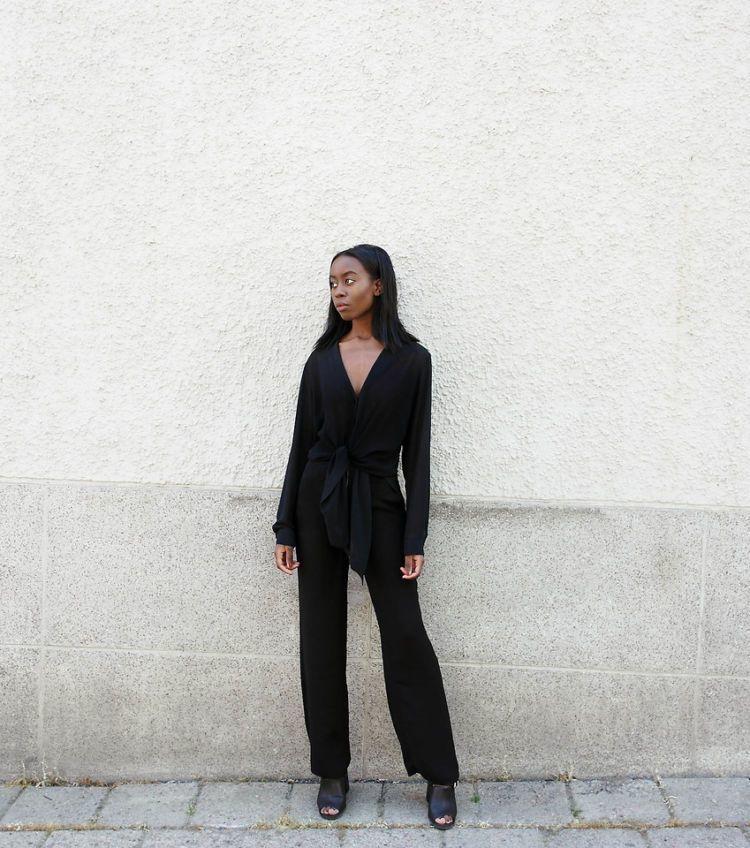 jumpsuit serba hitam