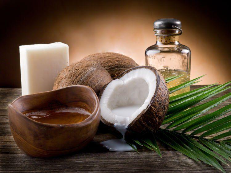 minyak kelapa baik untuk kesehatan rambut