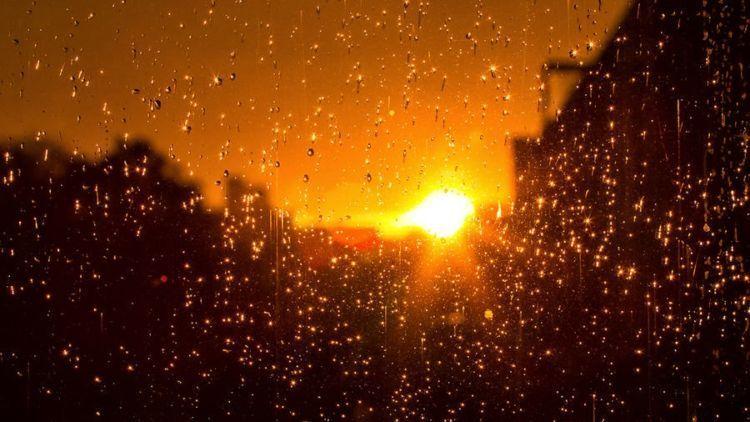 lagu lagu yang cocok didengarkan ketika hujan dan senja