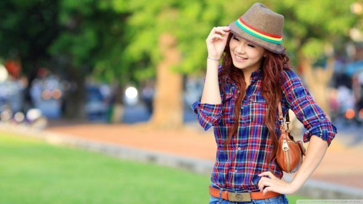 Kamu cantik deh. :)