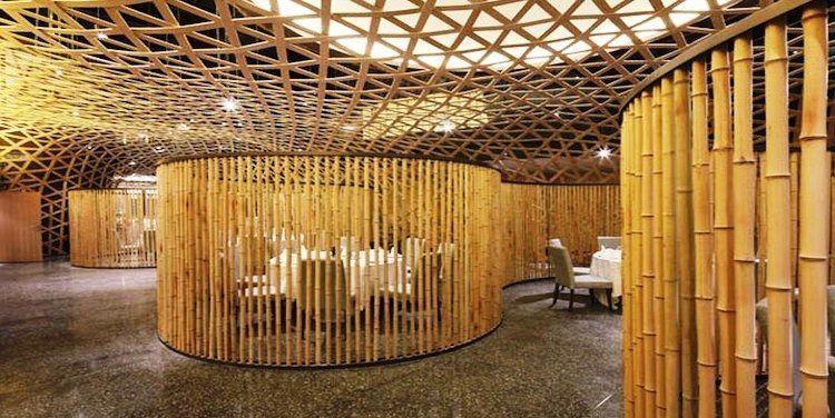 Ruang makan yang dibuat lebih private.