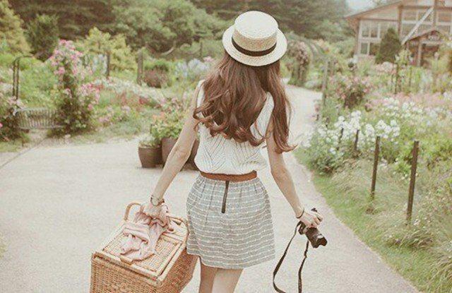 Traveling adalah salah satu jalan memperkaya pengalaman.