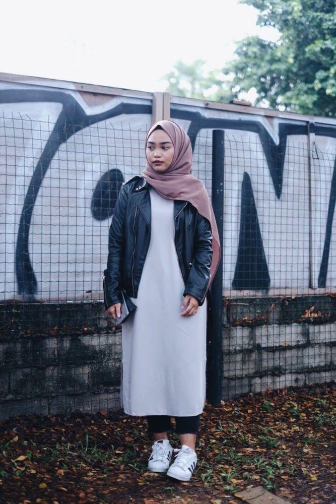 simpel dress dengan jaket kulit