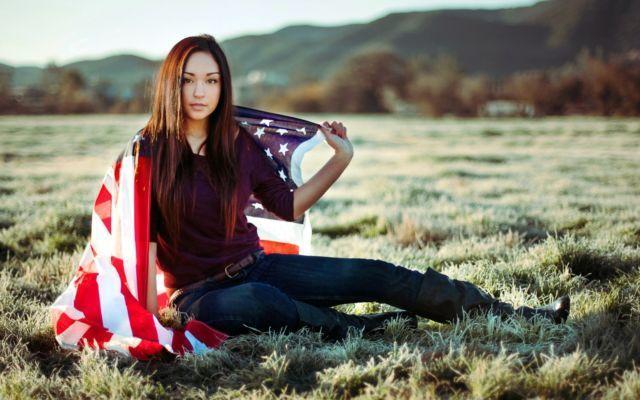 Cantiknya cewek Amerika via hdwallpaperbackgrounds.net