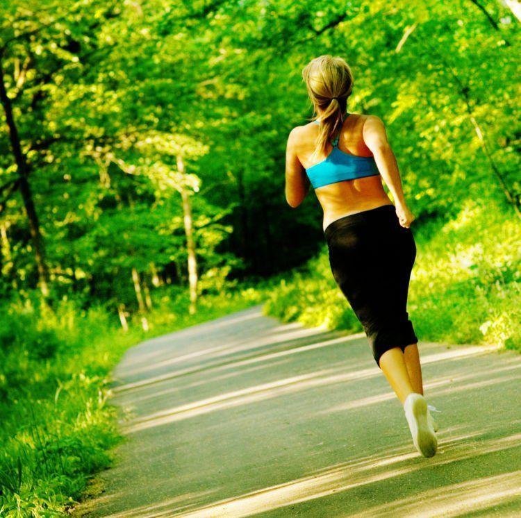 jogging yuk ama adek!