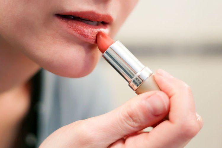 Lipstik dua warna