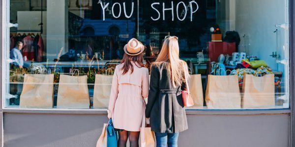 Bukan berarti kamu nggak bisa shopping lho. Budget-kan juga untuk hobimu yang satu ini.