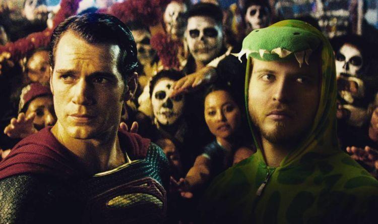 Superman vs dinoman ;)))