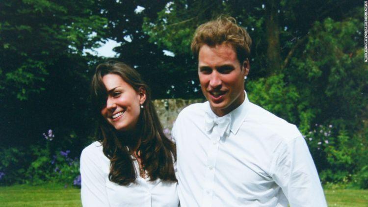 Kate dan William, sesaat setelah kelulusan mereka.