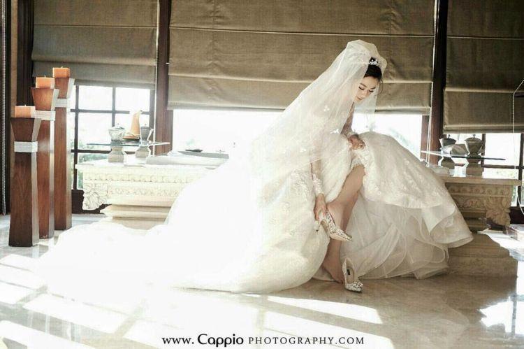 cantik dengan gaun princess yang megah