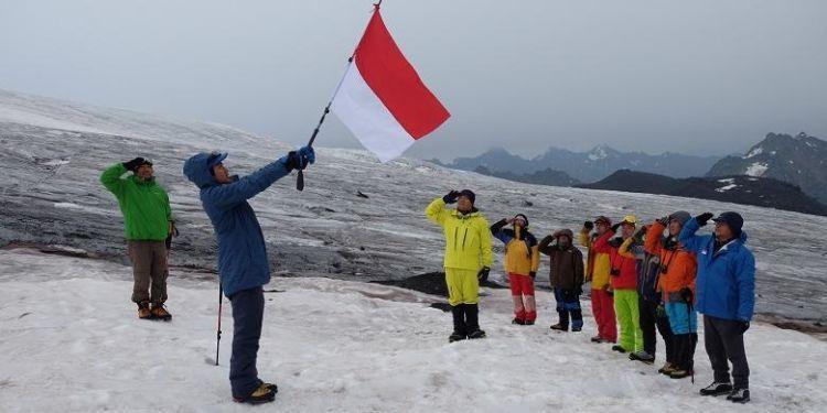 ini yang di Gunung Elbrus, tertinggi di Eropa